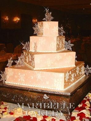 golden-snowflake-cake-jpg