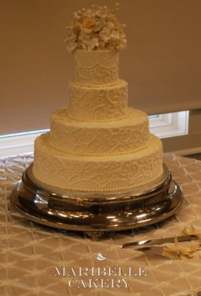 Stephanie Zastawa wedding cake